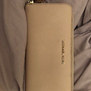 Soft pink/tan genuine MK wallet